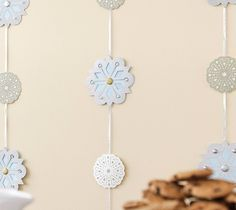 Holiday snowflake backdrop. Make It Now in Cricut Design Space