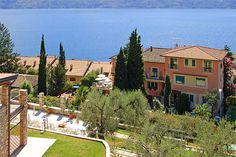 Hotel Europa - Gargnano ... Garda Lake, Lago di Garda, Gardasee, Lake Garda, Lac de Garde, Gardameer, Gardasøen, Jezioro Garda, Gardské Jezero, אגם גארדה, Озеро Гарда ... Welcome to Hotel Europa Gargnano. Hotel Europa has the appearance of a small villa with panoramic terraces covered with flowers where delicious breakfast including a sumptuous buffet are served. The Hotel is situated 100 m. from the fully-equipped public beach. The rooms have en-suite bat