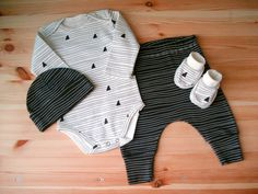 ORGANIC cotton Clothing Set : Hat  Booties  Pants  by MothersBaby