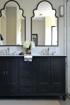 A monochrome bathroom is not hard to attain. It may give the room a luxury bathroom texture. Black and white bathroom does not have to be traditional. A black and white bathroom is a contemporary and classic style option, however… Continue Reading → Bad Inspiration, Bathroom Inspiration, Bathroom Renos, Bathroom Storage, Bathroom Ideas, Paint Bathroom, Bathroom Renovations, Bathroom Cabinets, Bathroom Shelves