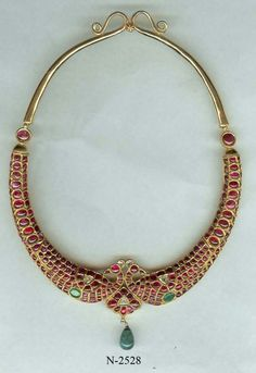 Sagar Jewellers Gold Jewellery Design, Gold Jewelry, Jewelery, Fine Jewelry, Jewelry Necklaces, India Jewelry, Temple Jewellery, Jewelry Patterns, Necklace Designs