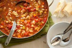 Hearty Minestrone Soup #vegetarian #highfiber #soup #weightloss #health #fitness #warm #fall #winter #healthy #recipes