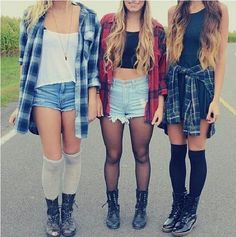 Hipster style | Kind of falls into the grunge category too, no? Either way, they're rad and simple outfits. :)