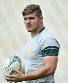 Beefy Men, Rugby Players, Sport Motivation, Male Form, Mens Fitness, Bodybuilding, Football, Athletes, Balls