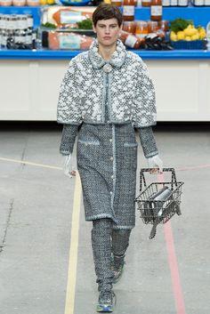 Chanel Fall 2014 Ready-to-Wear Fashion Show - Saskia de Brauw (Viva)