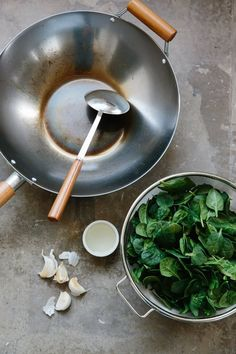 How to Stir Fry Spinach. Give a warm welcome to your new favorite healthy weeknight side dish. Stir fried veggies are a quick and easy way to eat more vegetables! This garlic heavy side will soon become one of your favorite dishes to prepare! Way better than plain ol sauteed spinach.