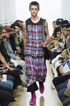 J.W.Anderson Spring 2017 Menswear Collection Photos - Vogue