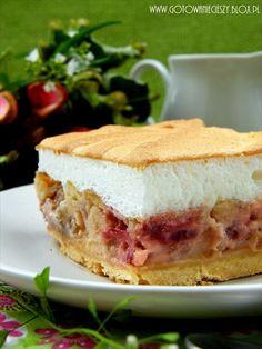 Ciasto rabarbarowo truskawkowe z bezą - Gotuję, bo lubię