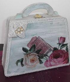 wood handbag Decoupage, Decorative Boxes, Lunch Box, Wood, Home Decor, Decoration Home, Woodwind Instrument, Room Decor, Timber Wood