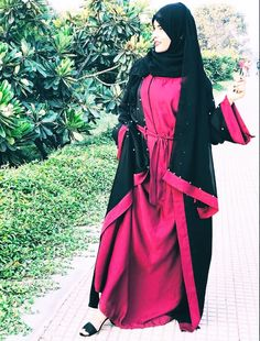 Crazy Abaya with memonshifu😍 Cute Relationship Goals, Cute Relationships, Cute Girls, Cool Girl, Niqab Fashion, Photography Poses Women, Beautiful Hijab, Girls Dpz, Muslim Couples