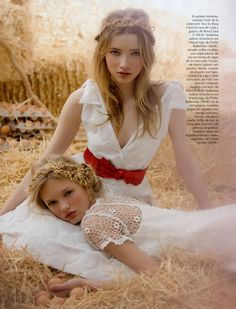Fashion pictures or video of Romee Strijd & Donna Loos: Vogue Novias Spring/Summer in the fashion photography channel 'Photo Shoots'. Farm Fashion, Fashion Shoot, Country Fashion, Country Chic, Teen Fashion, Poses Photo, Photo Shoot, Sister Photos, Nicole Richie