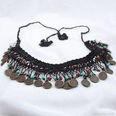 asortika.com dükkanları Doğal taşlı boncuklu firkete işi siyah el yapımı kolye Jewelry Crafts, Handmade Jewelry, Hairpin Lace, Crazy Outfits, Crochet Instructions, Textile Jewelry, Diy Crochet, Hair Pins, Jewelery