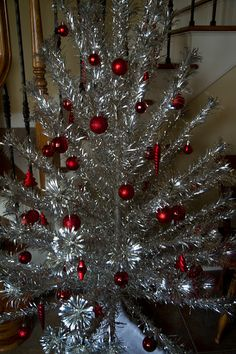 vintage tinsel tree with all red ornaments christmas tinsel tinsel tree - Silver Tinsel Christmas Tree
