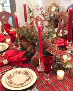 JBigg: Life in Kentucky: Christmas Table with Tartan and Santa Christmas Table Settings, Christmas Tablescapes, Christmas Table Decorations, Holiday Tables, Decoration Table, Holiday Decor, Tartan Christmas, Christmas China, Christmas Mood