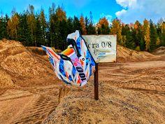 #helmet #helmetdesign #helmetpaint #finland #100% #goggles #oakley #sand #mxhelmet #shades #fall #autumn Helmet Paint, Helmet Design, Autumn, Fall, Motocross, Finland, Oakley, Shades, Fall Season