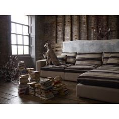 View our comfy range of corner sofa units in leather and fabric. Suitable for small to large rooms. Buy your next L shaped corner sofa chair online today. Corner Sofa And Chair, Chair Bed, Sofa Beds, Sectional Sofas, Decoracion Vintage Chic, Sofa Shop, Vizsla, Weimaraner, Favim