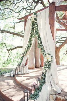 Take inspo from this romantic wedding arch when planning a woodland wedding. – Brit Morin Take inspo from this romantic wedding arch when planning a woodland wedding. Take inspo from this romantic wedding arch when planning a woodland wedding. Garland Wedding, Wedding Bells, Wedding Flowers, Wedding Arches, Wedding Backdrops, Decor Wedding, Wedding Themes, Wedding Photos, Altar Wedding