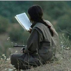 Kurdish girl,gerila, #kurdistan Women Freedom Fighters, Lion And Lioness, Book Flowers, Outdoor Girls, Like A Rock, Brave Girl, Female Fighter, Female Soldier, Military Women