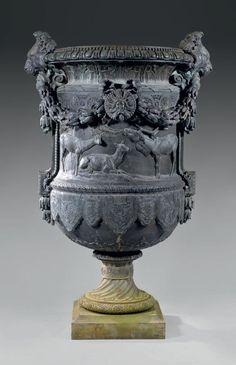 Emmanuel FREMIET Harde de cerfs, 1866 Exceptionnel vase Médicis, en bronze Garden Urns, Bronze, Classic Elegance, Garden Furniture, Decoration, Sculptures, Objects, Porcelain, Antiques