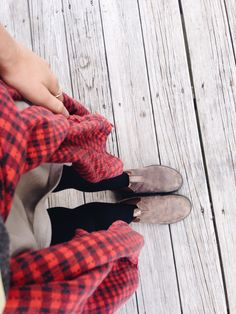 Blundstone fall flannel, large flannel baggy shirt, cute top underneath with boots and jeans • the perfect fall combo