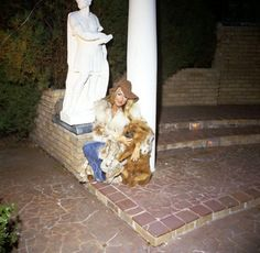 Linda Thompson at Graceland with Getlow.