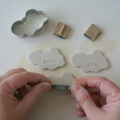 stamping paper clay or salt dough Clay Projects, Clay Crafts, Diy Projects To Try, Diy And Crafts, Fimo Clay, Polymer Clay Jewelry, Clay Ornaments, Paperclay, Air Dry Clay