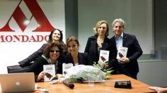 Barbara Benedettelli . Presentazione de L'amore ci salva. Il mio ultimo libro uscito in ottobre 2014. Mondadori Multicenter Milano