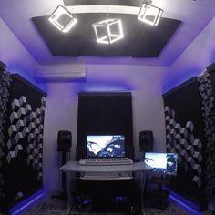 musicianlifeofficial_57572900_793933194322174_8385546633695983267_n @musicianlifeofficial #devenirbeatmaker #homestudio #hardware #beatmaker #beatmaking #compositeur #musicproducer #productionmusicale #musicproduction #audio #studiotour #producerdesk #bedroomproducers Boys Bedroom Furniture, Kids Bedroom, Girls Bedroom Colors, Bedroom Wall Designs, Iphone Hacks, Home Studio, Guest Bedrooms, Bedroom Storage, Interior Design