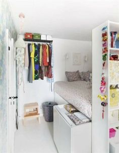 Small Teenage Girls Bedroom Ideas