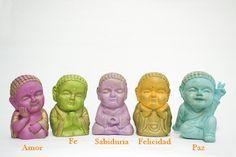 Budas bebé de colores, pintados a mano.