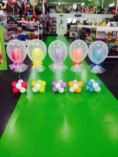 Globos y tul para centro de mesa. #DecoracionConGlobos