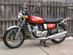"""I used to own one of these -- a 1977 Suzuki """"Water Buffalo"""" -- a liquid-cooled, touring bike that was amazingly quiet, considering its configuration. Can't help but wish I'd never sold it. Suzuki Gsx, Suzuki Gt 750, Suzuki Bikes, Moto Suzuki, Suzuki Cars, Suzuki Motorcycle, Womens Motorcycle Helmets, Motorcycle Girls, Vintage Motorcycles"""