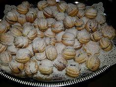 Rețetă de nuci umplute – … I Foods, Muffins, Meals, Cookies, Breakfast, Desserts, Pies, Food, Kitchens