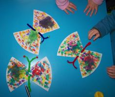 Butterflies made of filter bags - # crafting spring kids # crafting spring . Fun Projects For Kids, Diy Crafts For Kids, Arts And Crafts, Craft Ideas, Spring Decoration, Winter Kids, Spring Crafts, Preschool Crafts, Kids And Parenting