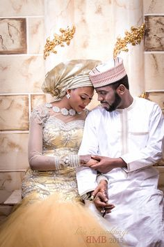 Mimi and Nas Hausa Muslim Wedding in Nigeria ~African fashion, Ankara, Kente… African Inspired Fashion, African Men Fashion, African Dresses For Women, African Attire, African Wedding Dress, Wedding Dresses, Wedding Hijab, Turban, Moda Afro