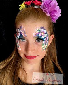 Tvar, Face Paintings, Henna Art, Butterflies, Body Art, Ideas, Carnival, Make Up, Butterfly
