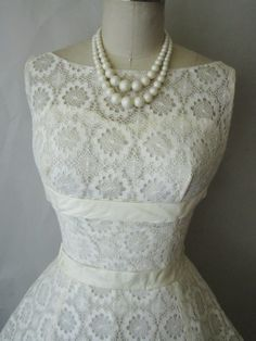 50's Crochet Lace Wedding Dress // Vintage by TheVintageStudio