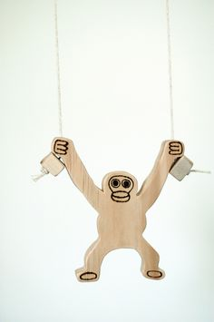 Climbing Gorilla Toy. Instructions: http://www.sciencetoymaker.org/climb/assembl.html