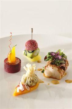 Bocuse d'hor chine_assiette_poisson (Custom) (gourmet food presentation)