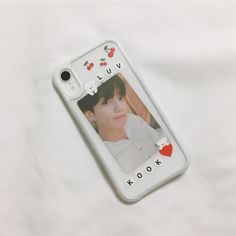 Pin by 𝓜 𝓪 𝓬 𝓮 𝔂 on bts stuff ♡ in 2019 aesthetic phone case, kpop pho Cute Cases, Cute Phone Cases, Diy Phone Case, Iphone Cases, Kpop Phone Cases, Phone Covers, Diy Coque, Aesthetic Phone Case, Kpop Merch