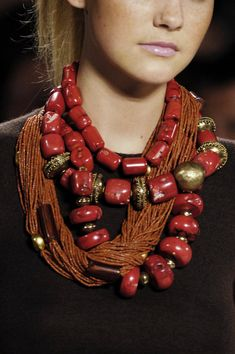 Oscar de la Renta - statement necklace, necklace layering, bold necklace, big jewellery