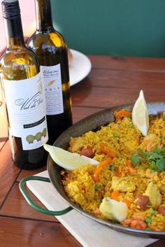 Paella, Sangria, Chorizo, Food And Drink, Cooking Recipes, Drinks, Drinking, Beverages, Chef Recipes