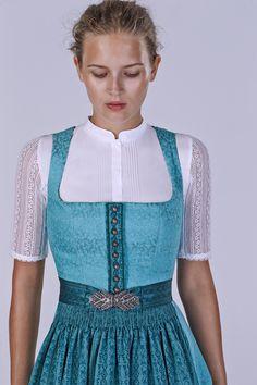 Frühling/Sommer 2015 - Another! Vestidos Vintage, Vintage Dresses, Muslim Fashion, Hijab Fashion, Celtic Dress, German Fashion, Vestido Casual, Islamic Clothing, Hijab Dress