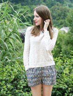 Caught On A Whim: Sewn: Batik Shorts (Simplicity Diy Clothing, Clothing Patterns, Dress Patterns, Sewing Patterns, Batik Kebaya, Sewing Hacks, Sewing Ideas, Sewing Projects, Diy Fashion
