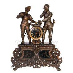 Антикварный настольный набор из двух подсвечников и красивых часов