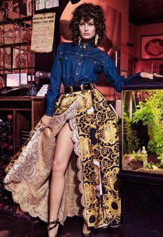 bb057de2a572 Ave Versace Publication  Vogue Paris April 2018 Model  Isabeli Fontana  Photographer  Inez van Lamsweerde and Vinoodh Matadin Fashion Editor   Emmanuelle Alt ...