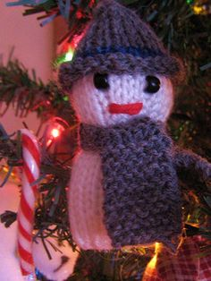 Snowman Ornament pattern by Alisha Bauman