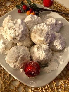 Κουραμπιεδάκια τα τέλεια !!!! ~ ΜΑΓΕΙΡΙΚΗ ΚΑΙ ΣΥΝΤΑΓΕΣ 2 Pastries, Milk, Cookies, Sweet, Desserts, Blog, Christmas, Crack Crackers, Candy