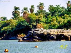 The Nile as it flows through Northern Sudan النيل كما يجري عبر شمال #السودان (By Na Gi) #sudan #nile #northern