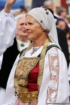 Kronstädter Tracht-Heimattag 2015 in Dinkelsbühl/Bayern Ukraine, All Races, Family History, Folk Art, German, Fitness, Black, Dresses, Fashion